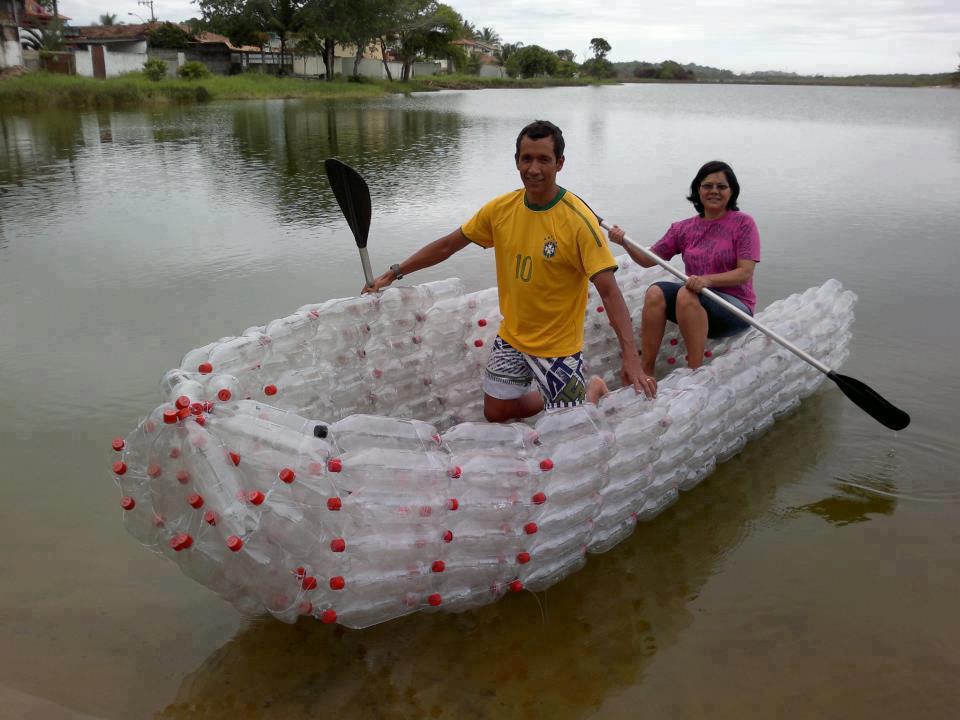 лодка из пластиковых бутылок в ютубе